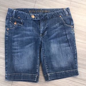 ellemenno Jean Shorts/Shorts, Size 15J for Women